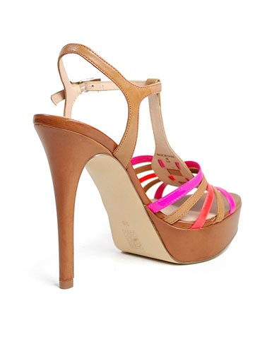 Sandália de Salto FLKM22LEA03 Guess