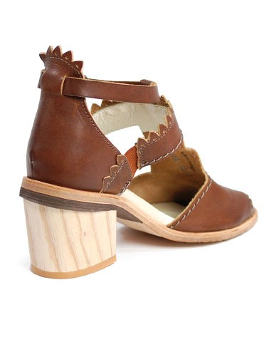 Sandal Genie Dkode